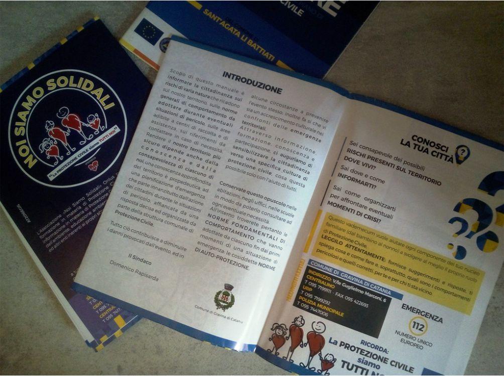 Grafica Brochure pieghevole, Noi Siamo Solidali